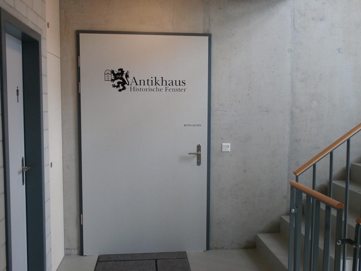 Türbeschriftung Antikhaus