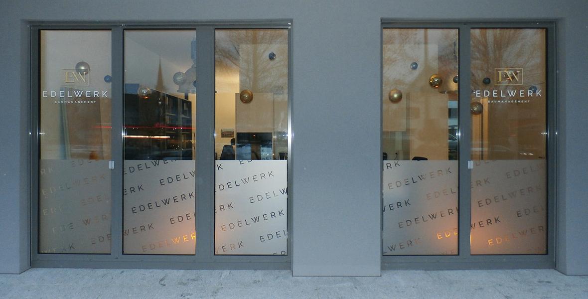 Edelwerk Schaufenster Sichtschutz Glasdekor Front