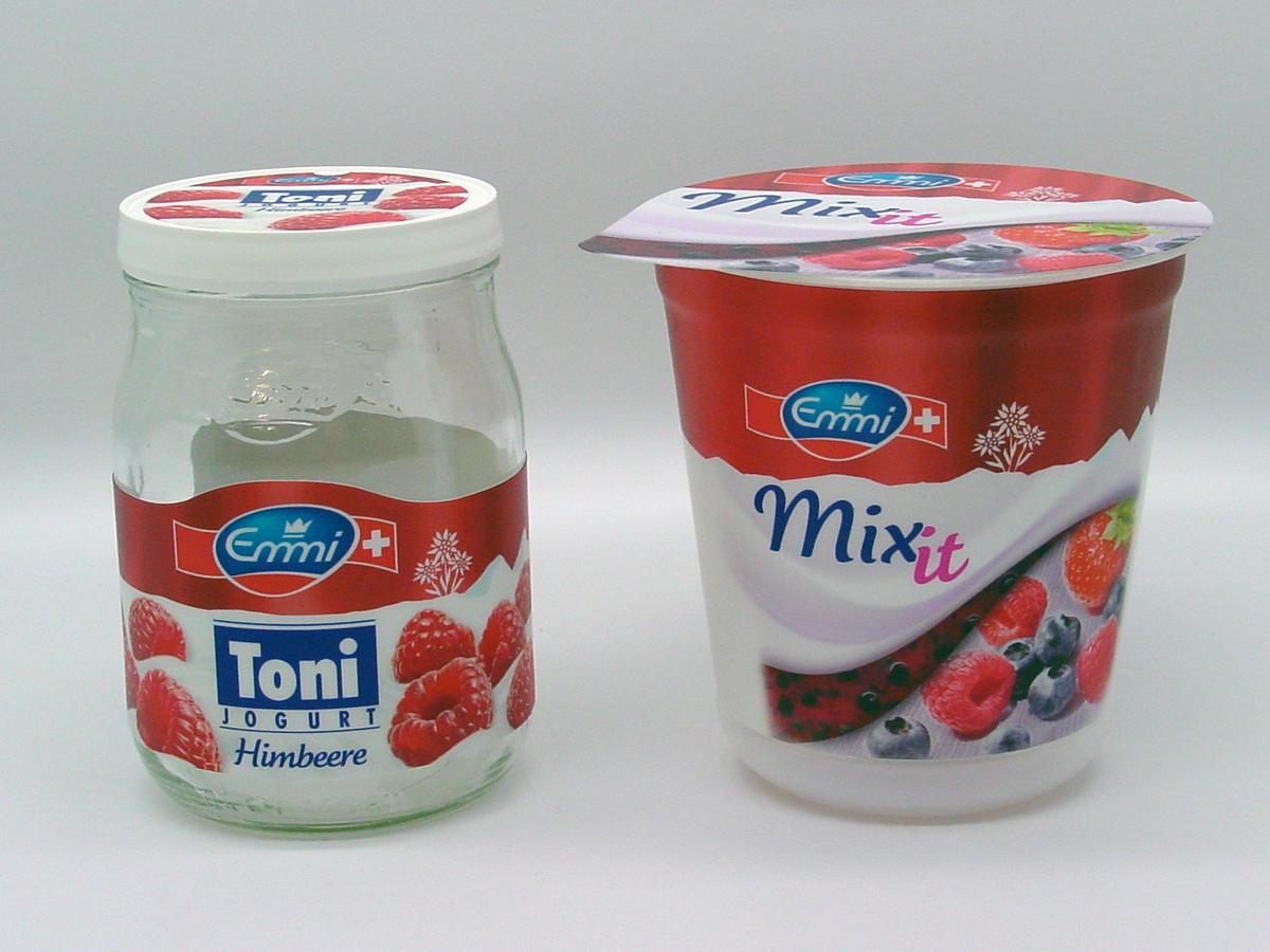 yoghurt_becher_und_glas